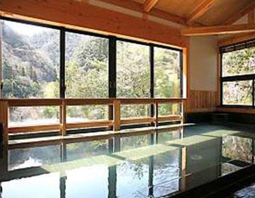 宝塚市の秘湯を独り占めする。「武田尾温泉紅葉館 別庭あざれ」