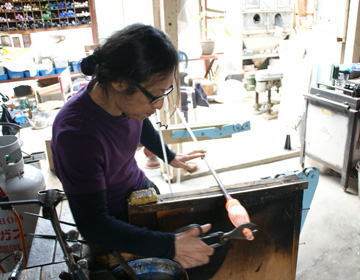 """Glasswork Artist, Yoshihiko Takahashi"" – How he ended up creating glass cups"