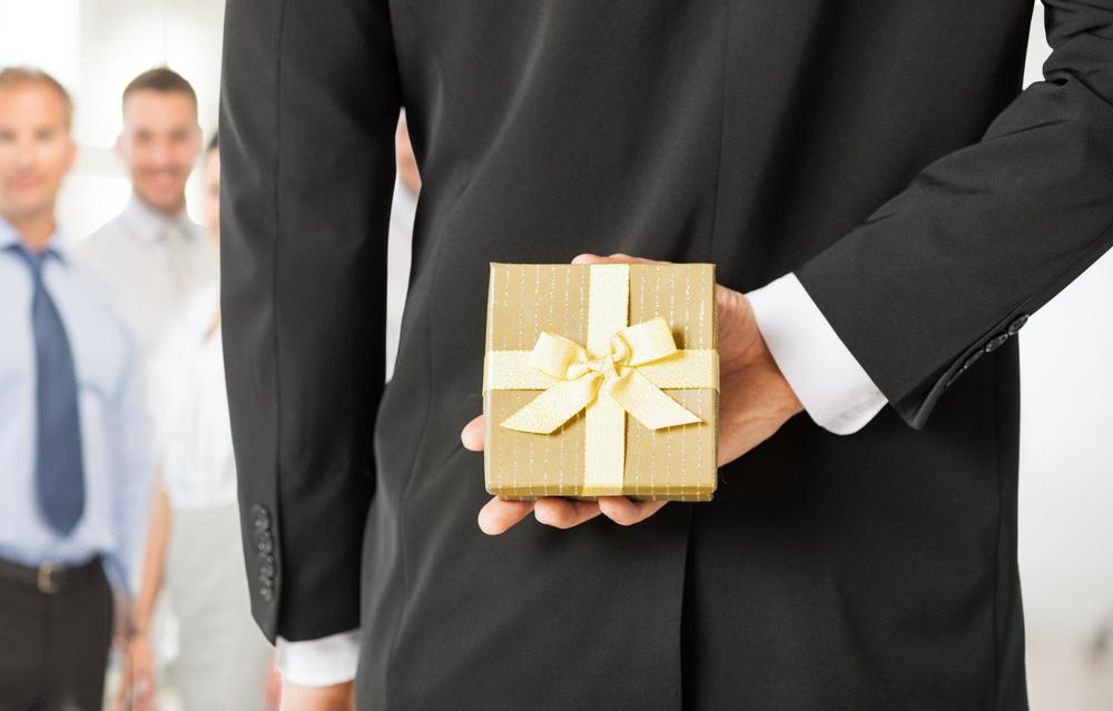 勤労感謝の日のギフト20選。大人が感謝の意を込めてプレゼントしたいモノとは?